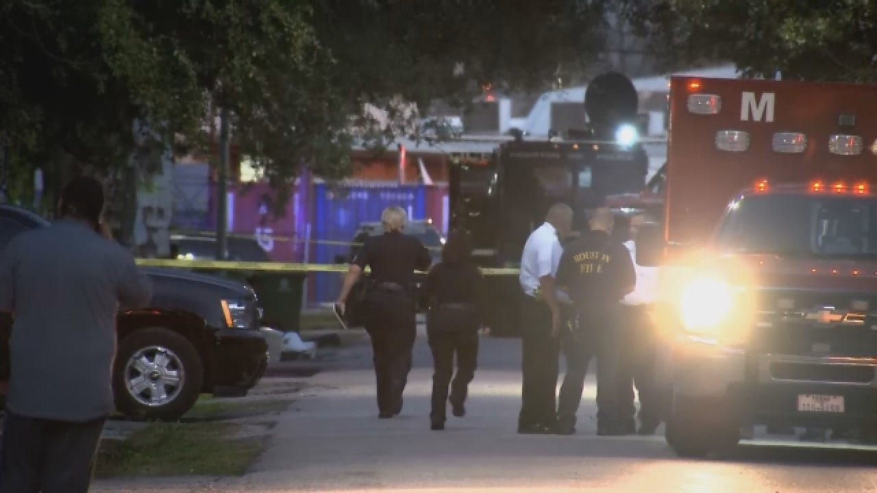 3 Houston Police Officers In 'Stable Condition' After Gunbattle