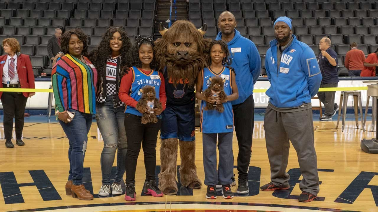 Thunder Players Grant Wishes To 2 Children