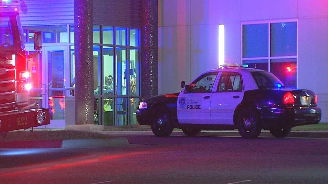 Stabbing Suspects Drop Victim Off At OKC Clinic, Flee The Scene