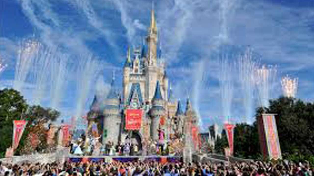 Disney's Theme Parks Will Start Serving Hundreds Of Vegan Options