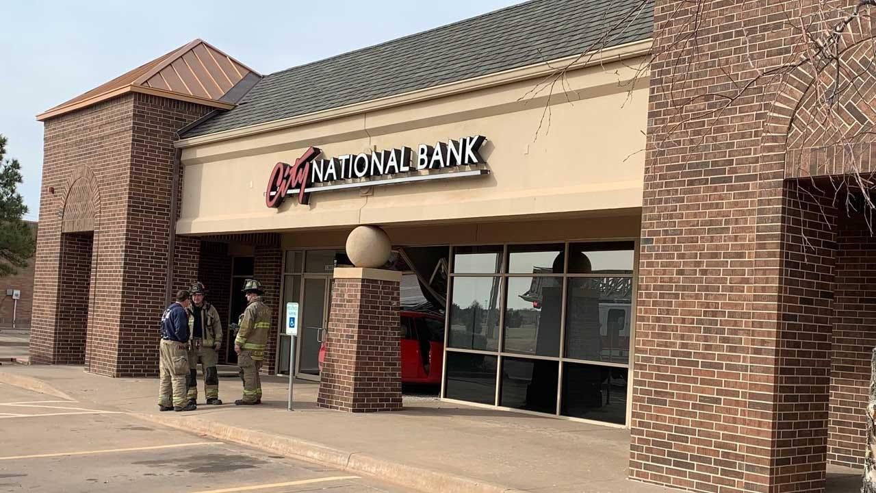 Car Crashes Into NW OKC Bank