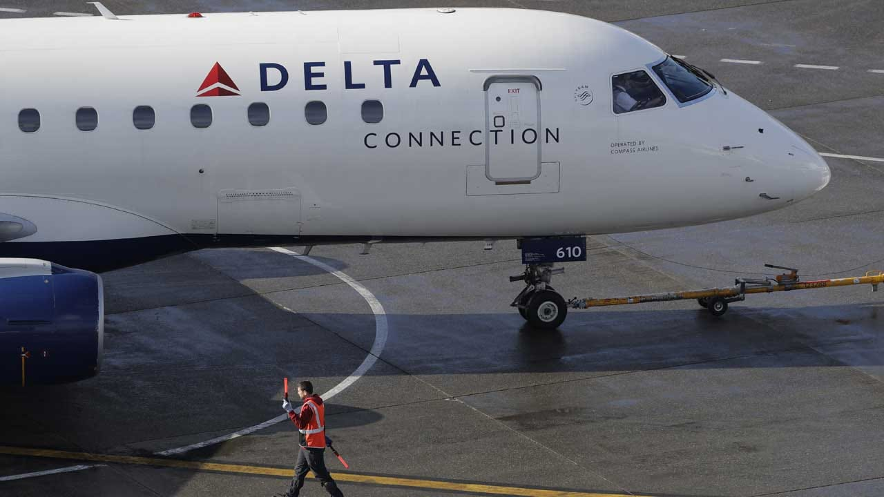 Police Break Up Fight On Delta Flight After Chaotic 8-Hour Delay At JFK