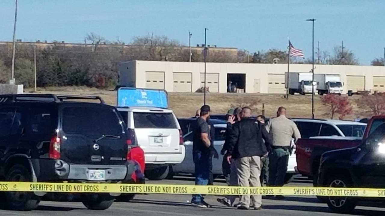 3 Dead After A Shooting At Walmart Parking Lot In Duncan