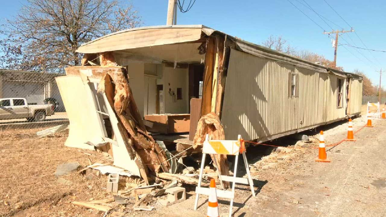 Pottawatomie County Man Causes Thousands Of Dollars In Road Damage After Moving Mobile Home Himself
