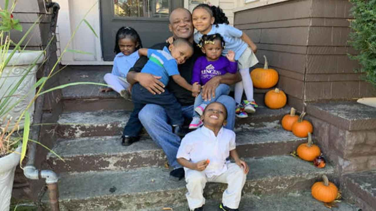 'I Had To Help Them': Single Dad Adopts 5 Siblings So They Can Stay Together