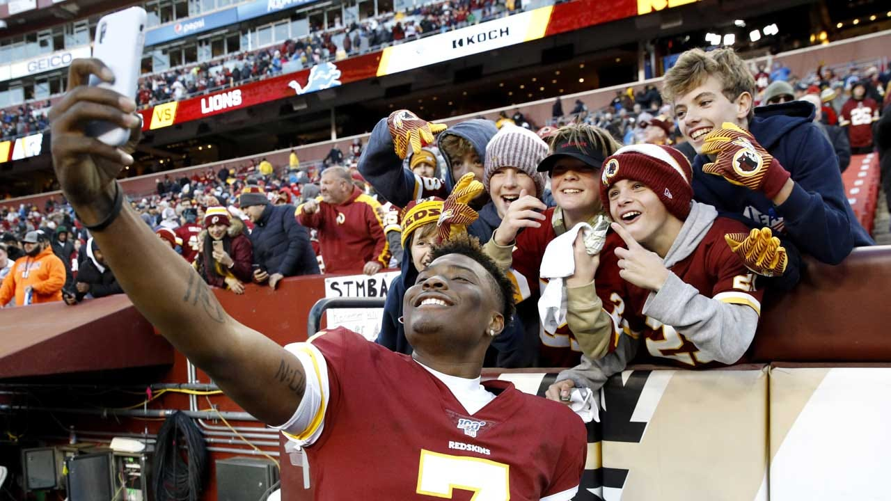 NFL QB Misses Final Play Of Game Because He Was Taking Selfies With Fans