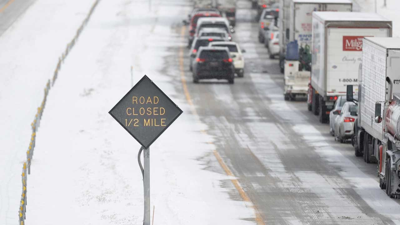 Snowstorm To Disrupt Thanksgiving Travel For Millions