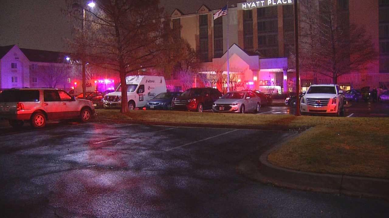 1 Killed After Bail Bondsman Shoots 2 In SW OKC Hotel, Police Say