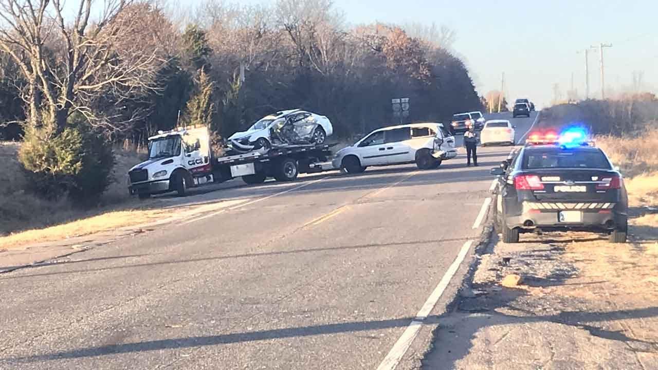 OCPD: 3 Vehicles Involved In Rollover Crash On I-40