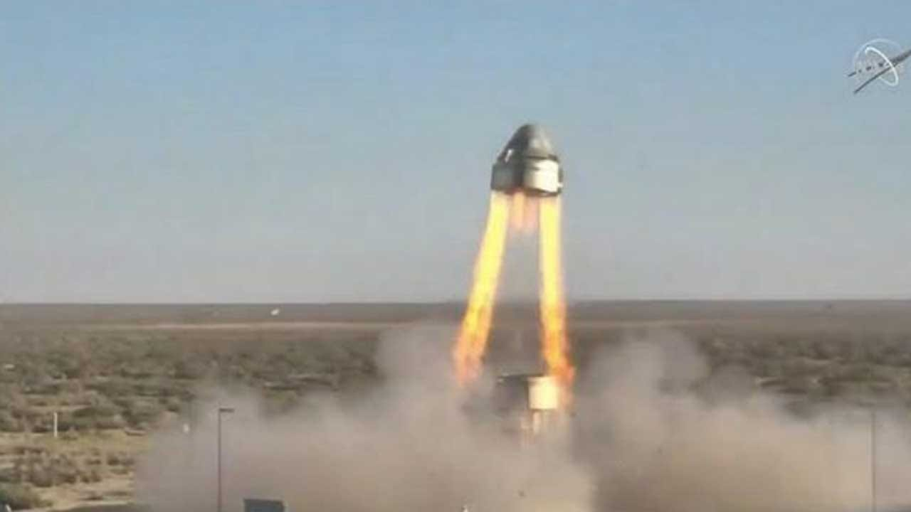 Boeing Starliner Capsule Blasts Off In Dramatic Abort Test