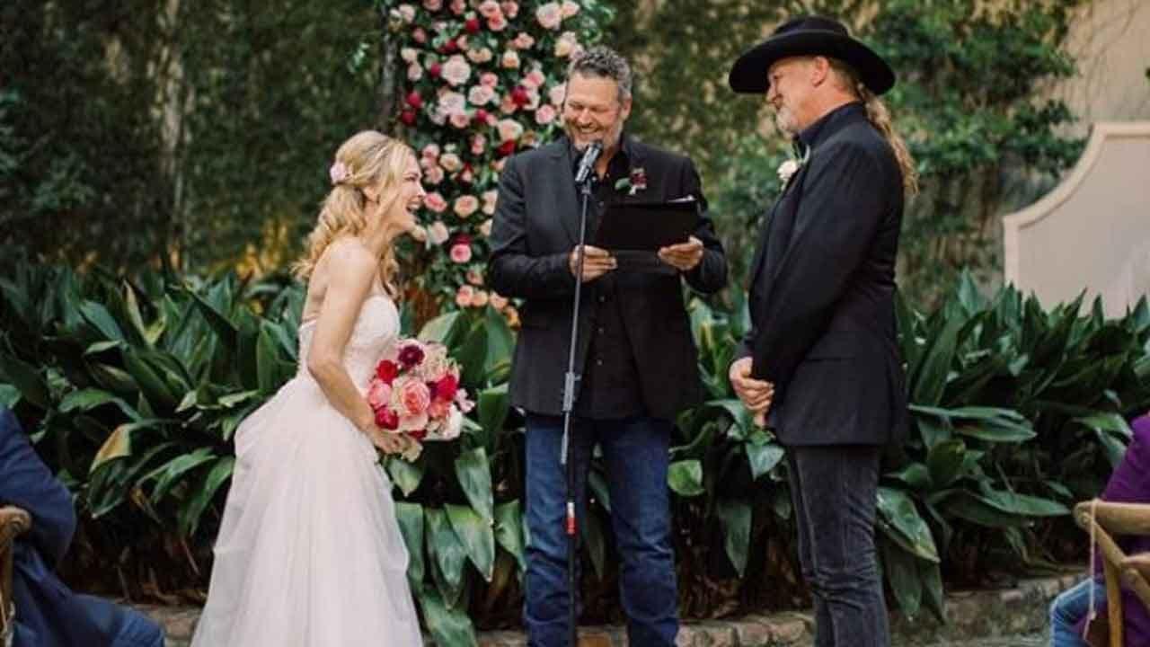Blake Shelton Officiates Trace Adkins' Wedding To Victoria Pratt In New Orleans