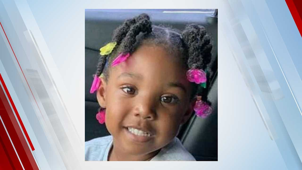 Police Searching For Man In Video Moments Before 3-Year-Old Kamille McKinney's Disappearance