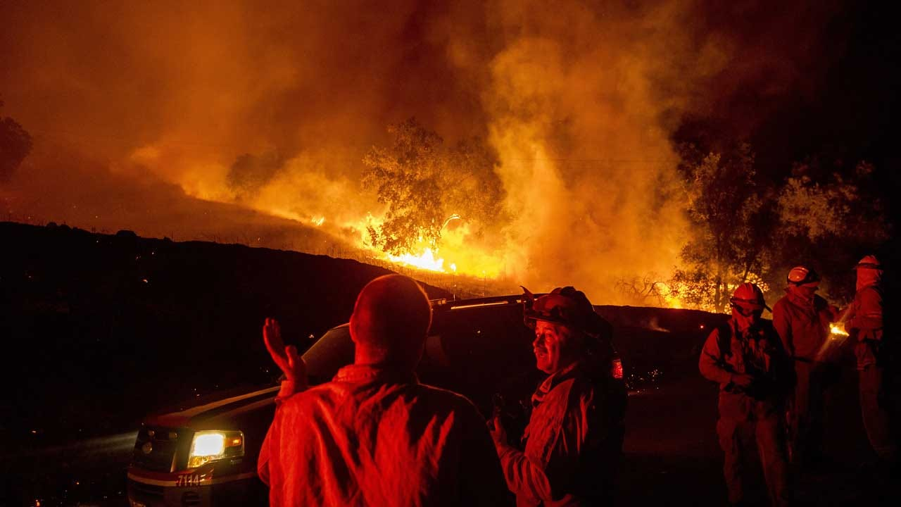California Wildfire Fanned By 70 MPH Winds Leaps Out Of Control Near Where Power Was Cut