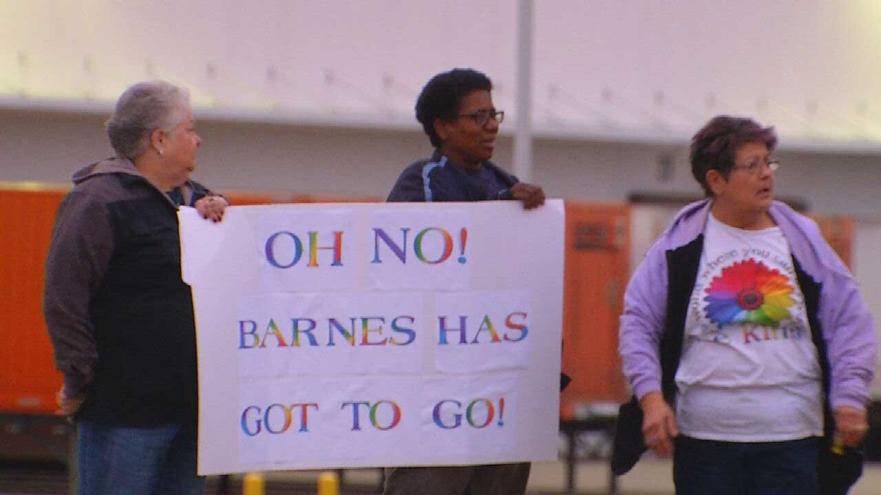 Western Heights Parents, Staff Express Frustration Over School District Leadership