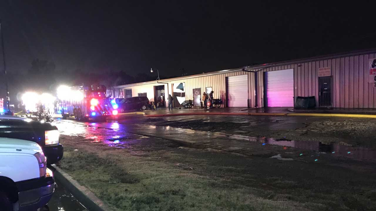 Crews Respond To Commercial Fire In SE OKC