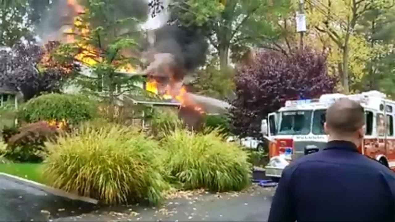 Pilot Killed After Plane Crashes Into New Jersey Home