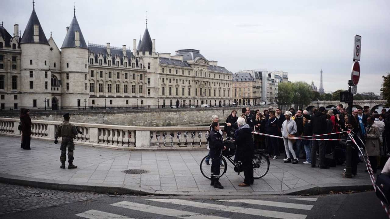 Knife Attack By Employee At Paris Police HQ Kills 4 Officers