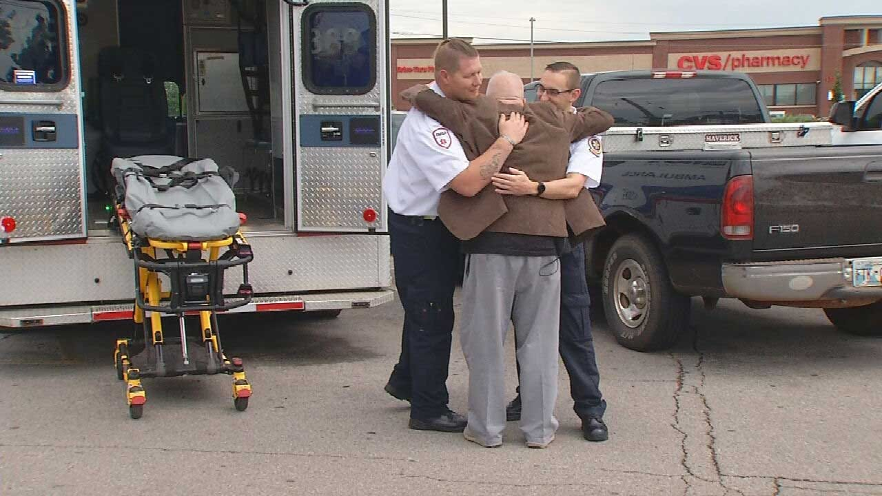 Edmond Man Saved By Former Firefighter After Suffering Heart Attack Outside Restaurant