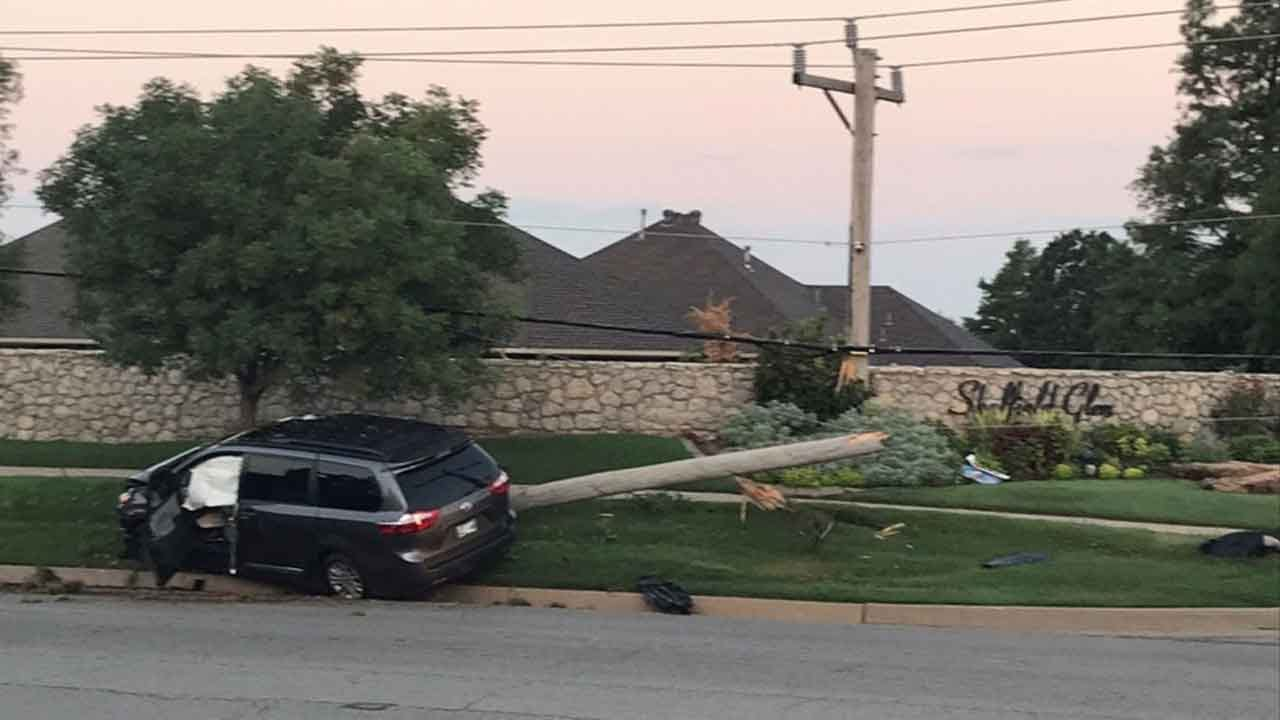 Crash Causes Power Outage In Northwest Oklahoma City