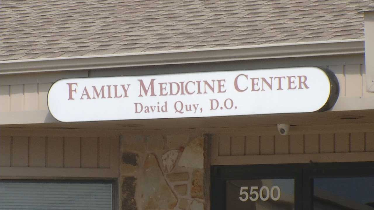Oklahoma Doctor Accused Of Opioid Conspiracy, Threatening Patients With Gun
