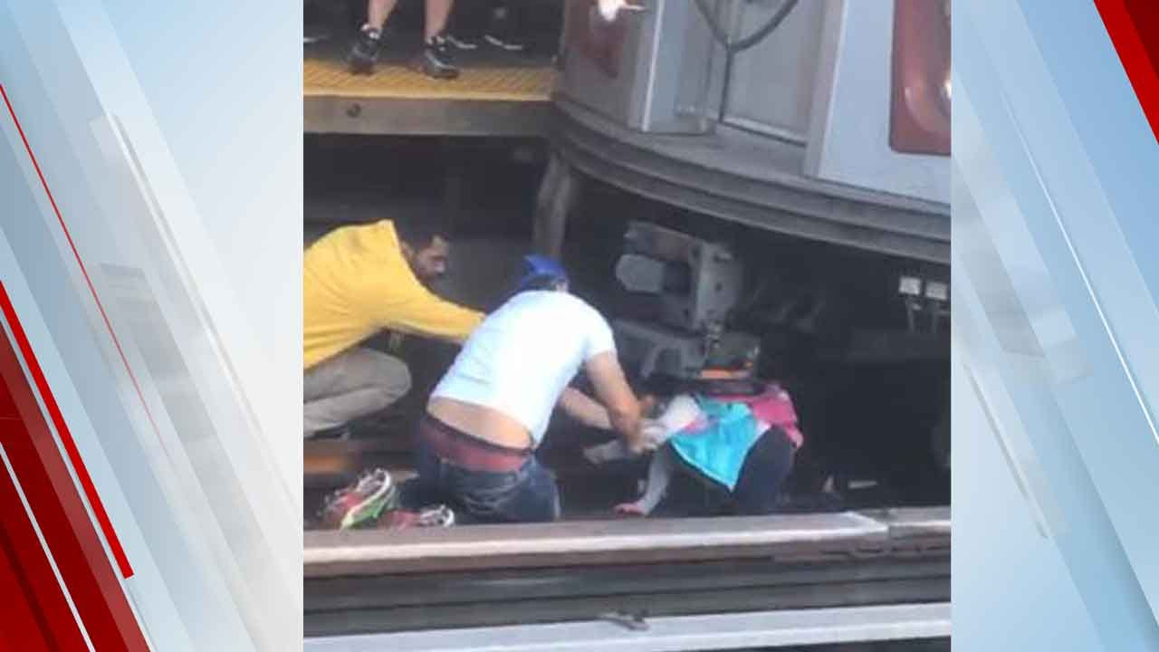 5-Year-Old Girl Rescued After Father Jumps With Her In Front Of NYC Subway