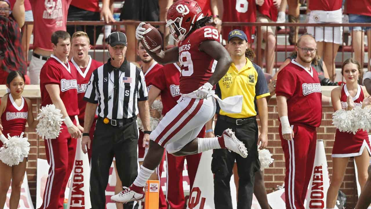 Hurts Throws No. 6 Oklahoma Past Texas Tech With Ease, 55-16