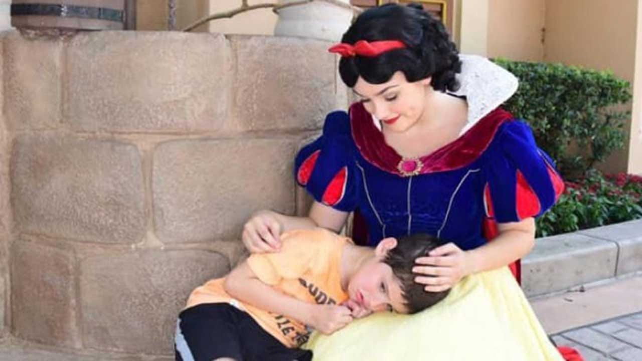 Snow White Comforts Boy With Autism At Disney World