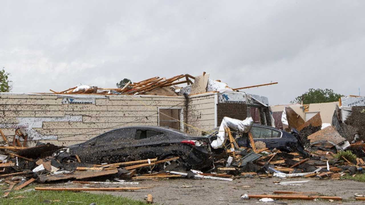 Easter Storms Sweep South, Killing At Least 19 People