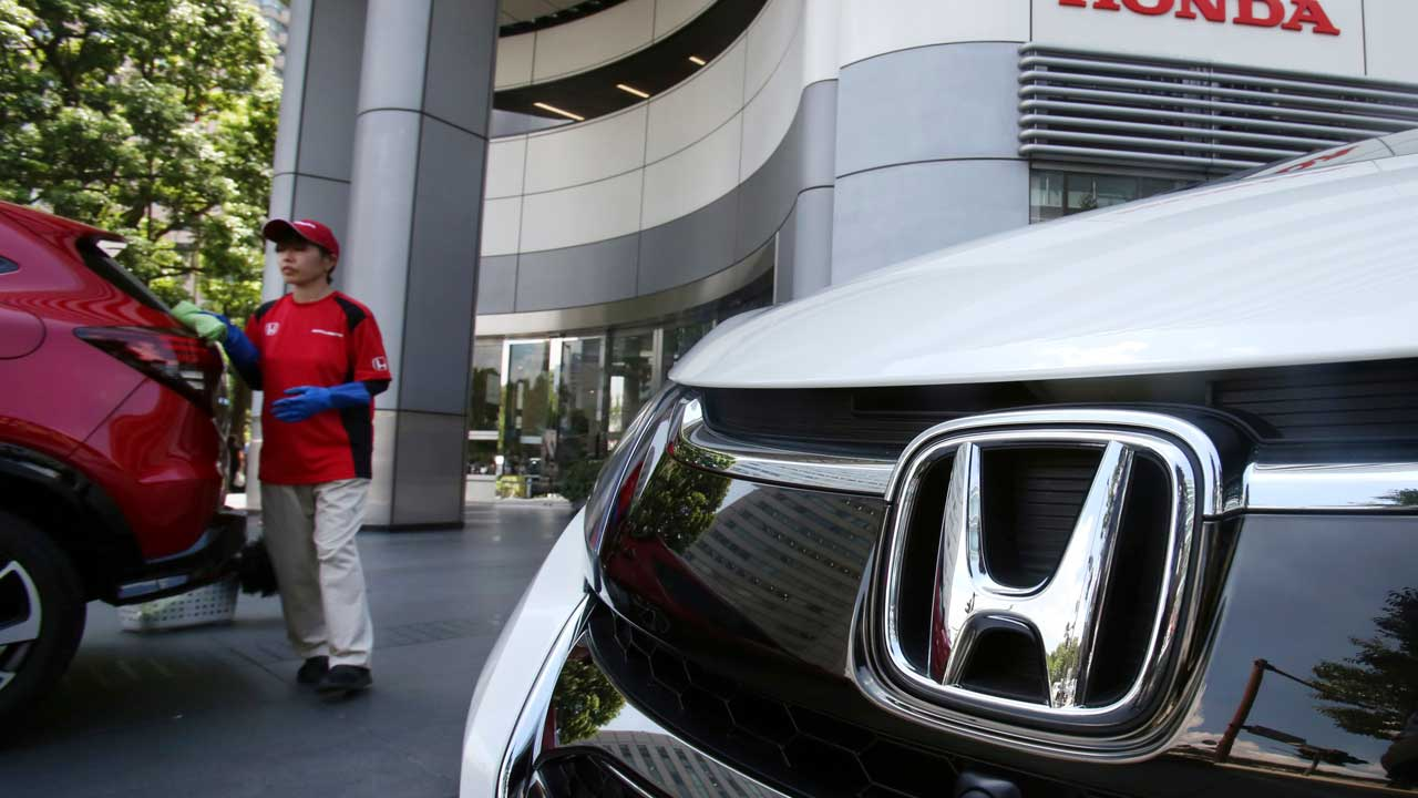 Japan To Eliminate Gas-Powered Cars As Part Of 'Green Growth Plan'