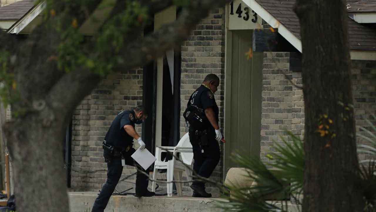 Sheriff: 4 Dead In Houston Domestic Violence Shooting