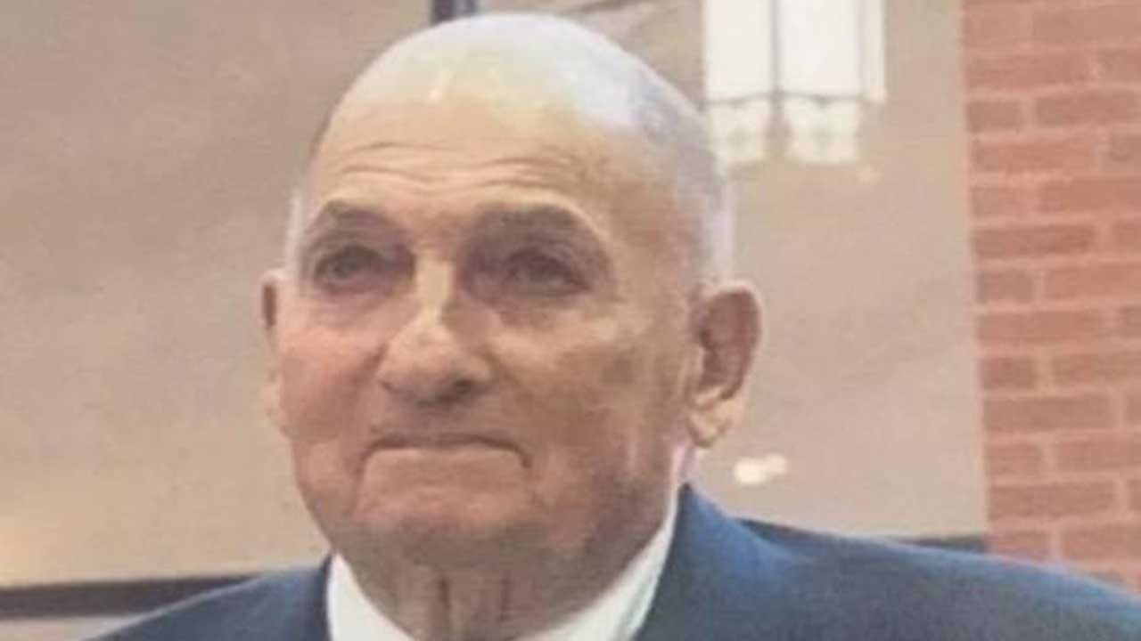 'Mr. Bob,' 88-Year-Old Crossing Guard, Dies Saving Two Kids From Speeding Car