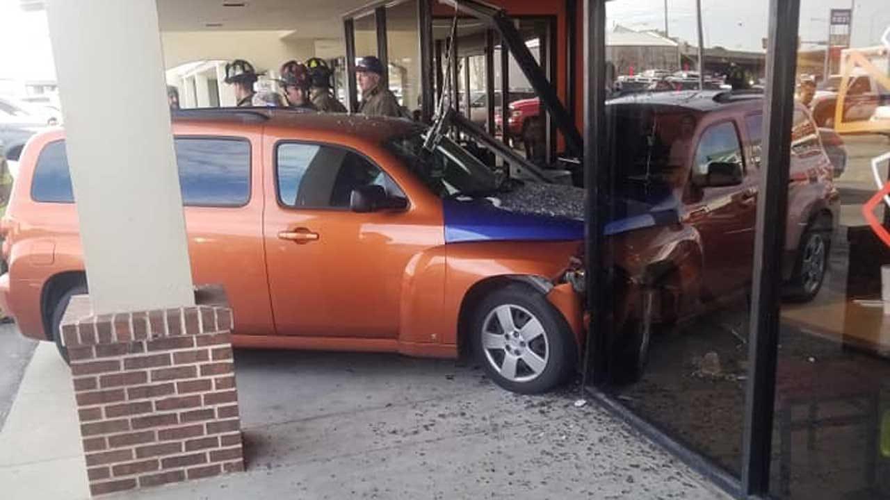 Driver Rams Into Pizza Restaurant In SW OKC