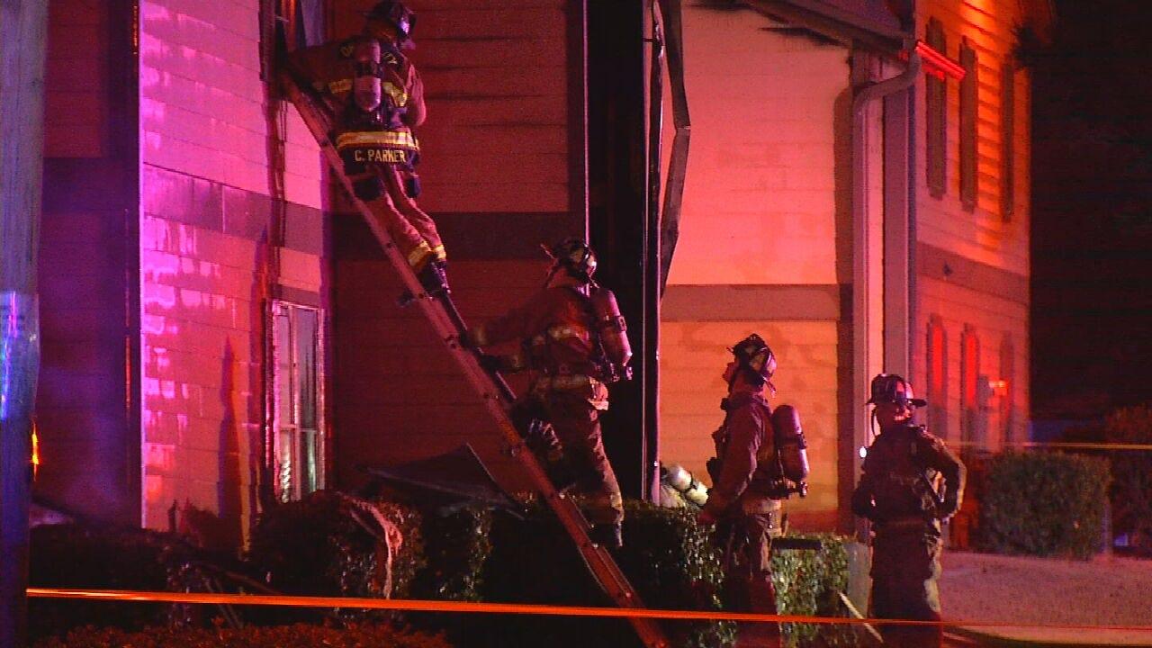 Oklahoma City Fire Crews Respond To Large Apartment Fire