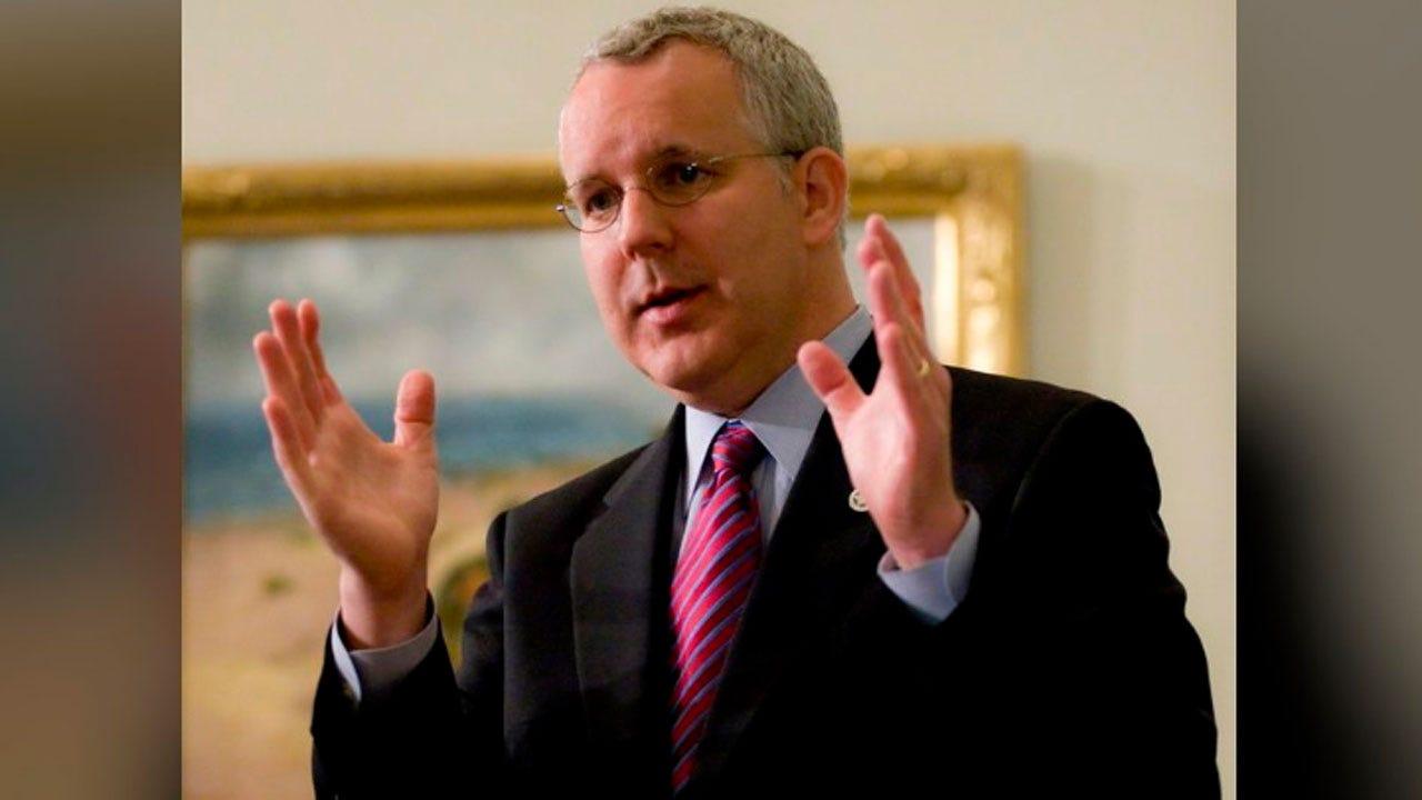 Former Okla. Gov. Brad Henry Endorses Mike Bloomberg For President