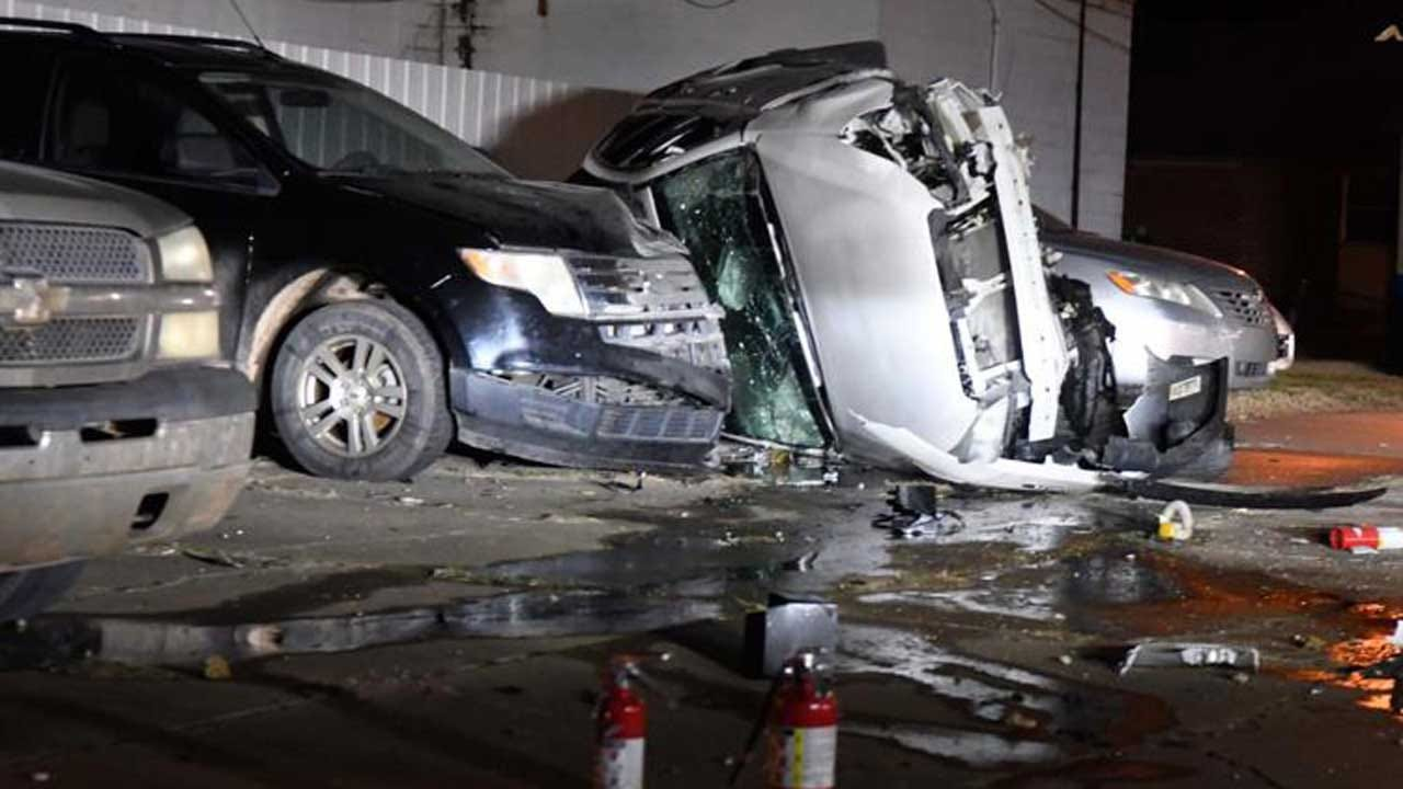 Enid Police Pursuit Of Suspects Ends In Crash