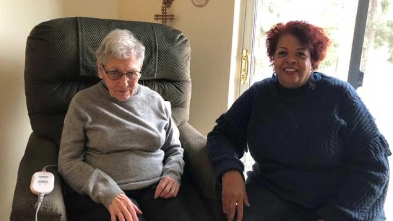Volunteer Visits 90-Year-Old Woman, Friendship Grows