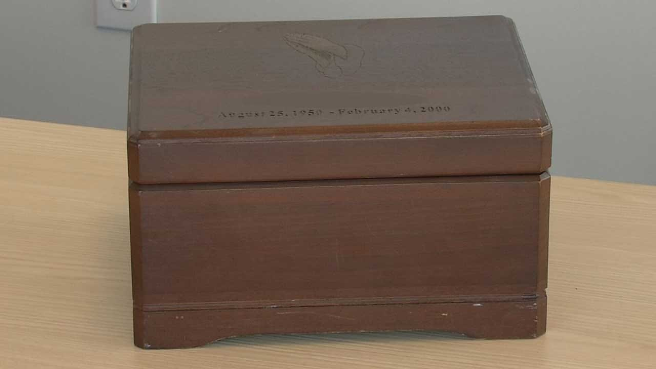 McLoud Police Return Woman's Ashes To Her Husband After 20 Years In Storage