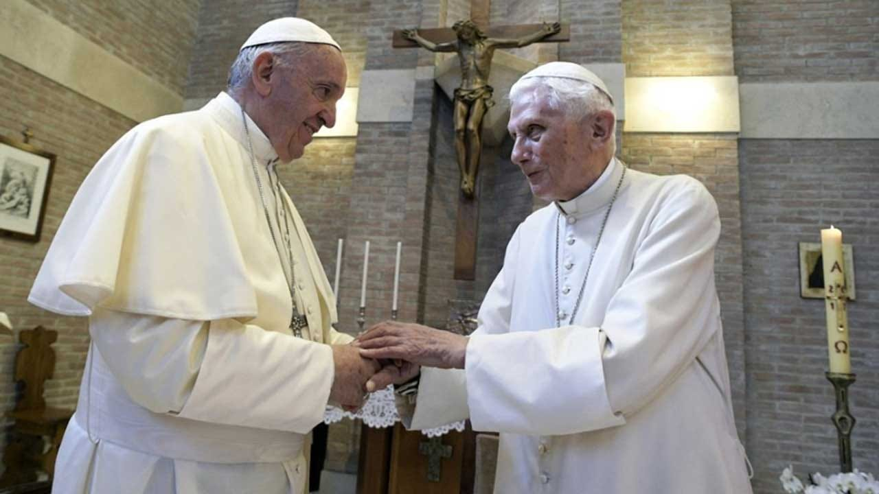 Pope Francis & His Predecessor Benedict Get A 1st Shot Of COVID Vaccine