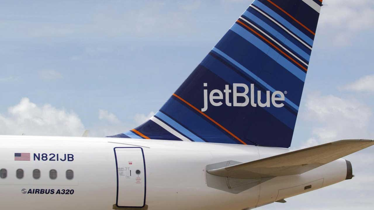 Two Bags To Check At Airport? JetBlue Charging $80 For Privilege
