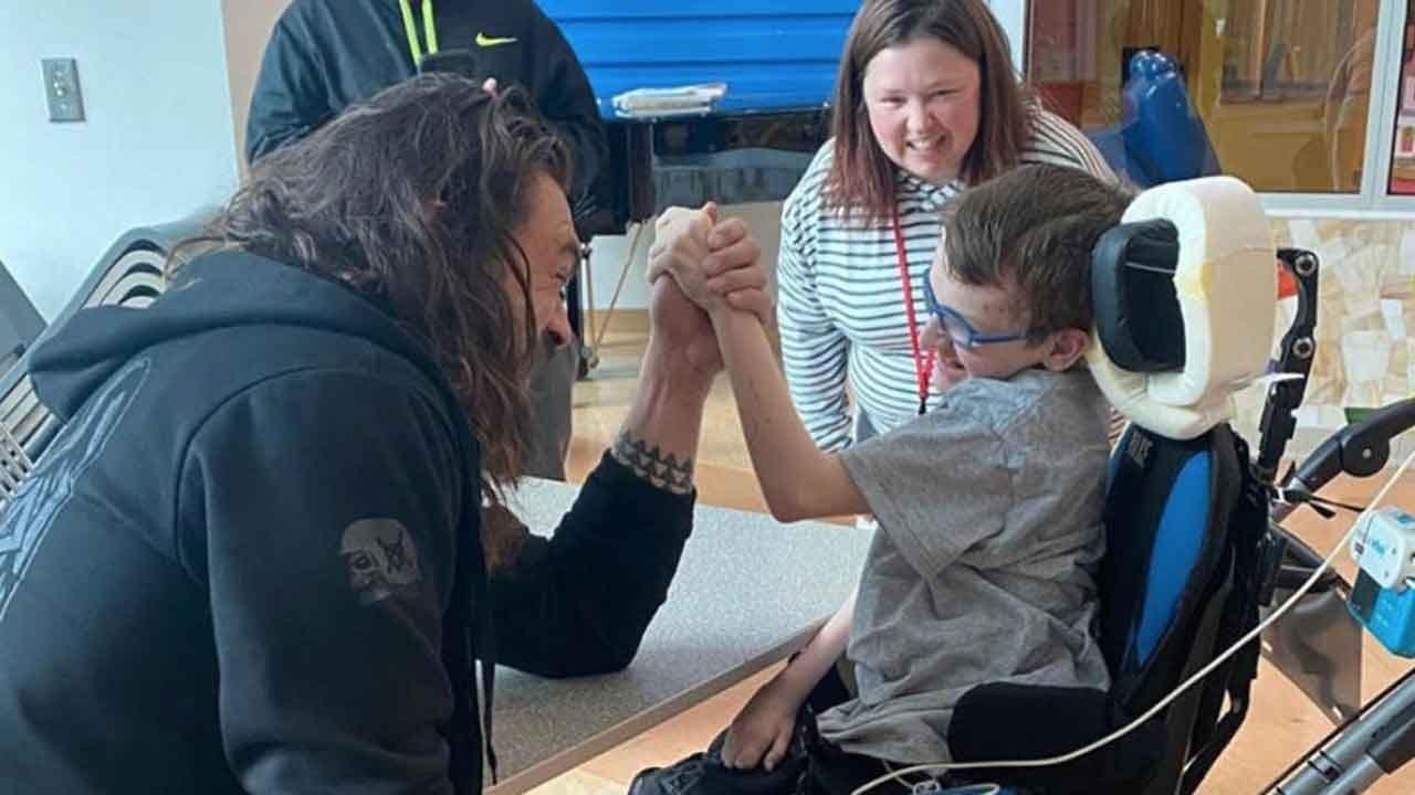 Actor Jason Momoa Visits Kids At Children's Hospital In Pittsburgh