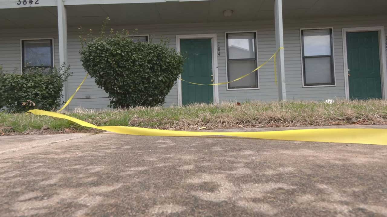 Man In Critical Condition After Being Beaten With A Baseball Bat In NW OKC, Police Say