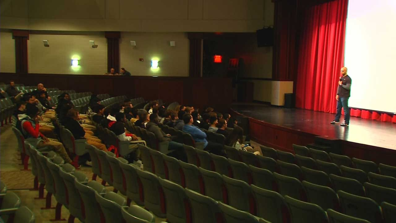 MMA Fighter Inspires OKC Student Athletes, Helps Raise Money For City's Charity Fight Night