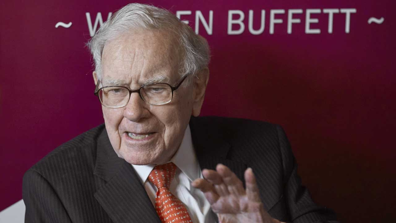 Warren Buffett Gets Out Of The Newspaper Business