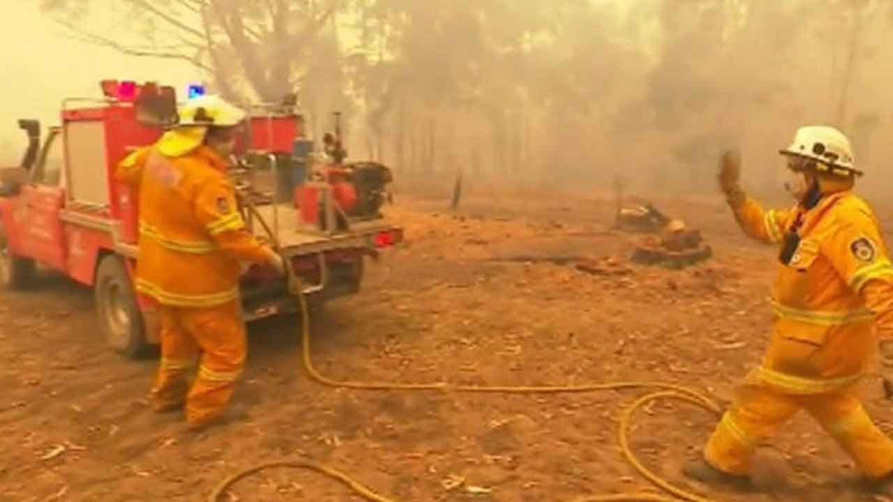 As Australian Fires Devastate Towns, Officer Warns Evacuees: 'We Cannot Guarantee Your Safety'