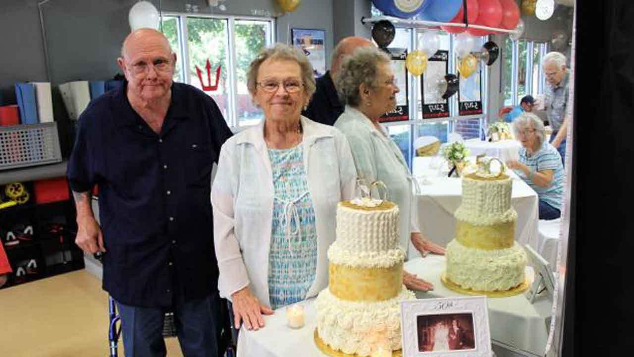 Couple Married For 53 years Dies Of Coronavirus An Hour Apart, Holding Hands At The End