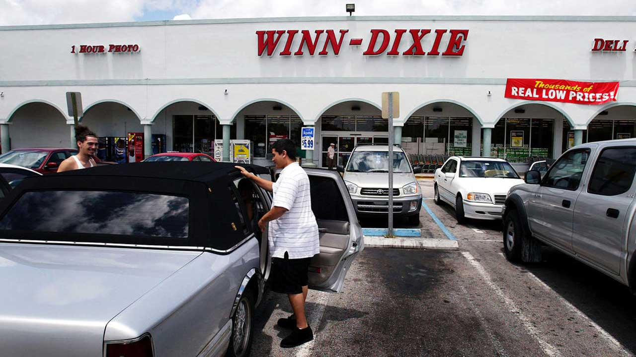 In Reversal, Winn-Dixie Will Require Shoppers To Wear Face Masks