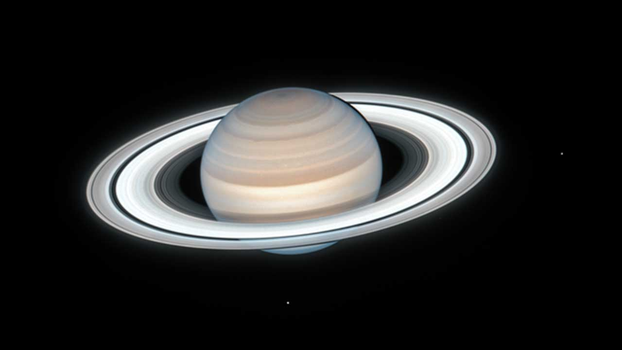 Hubble Telescope Captures Beautiful New Image Of Saturn In Stunningly Clear Detail