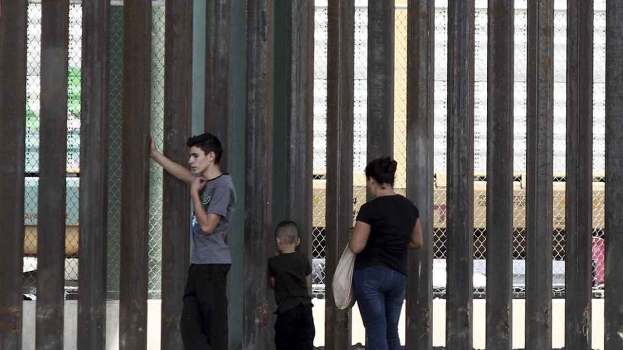 Pregnant Teen Falls To Her Death Trying To Climb US Border Wall