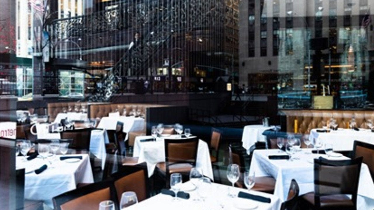 Indoor Dining In New York City Will Be Suspended Starting Monday, Cuomo Says