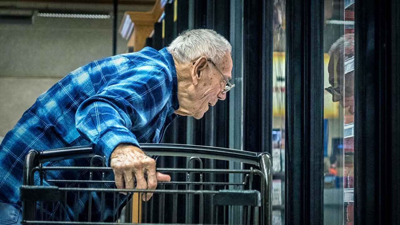 Grocery Stores Across US Reserve Shopping Hours For Senior Citizens During Coronavirus Outbreak